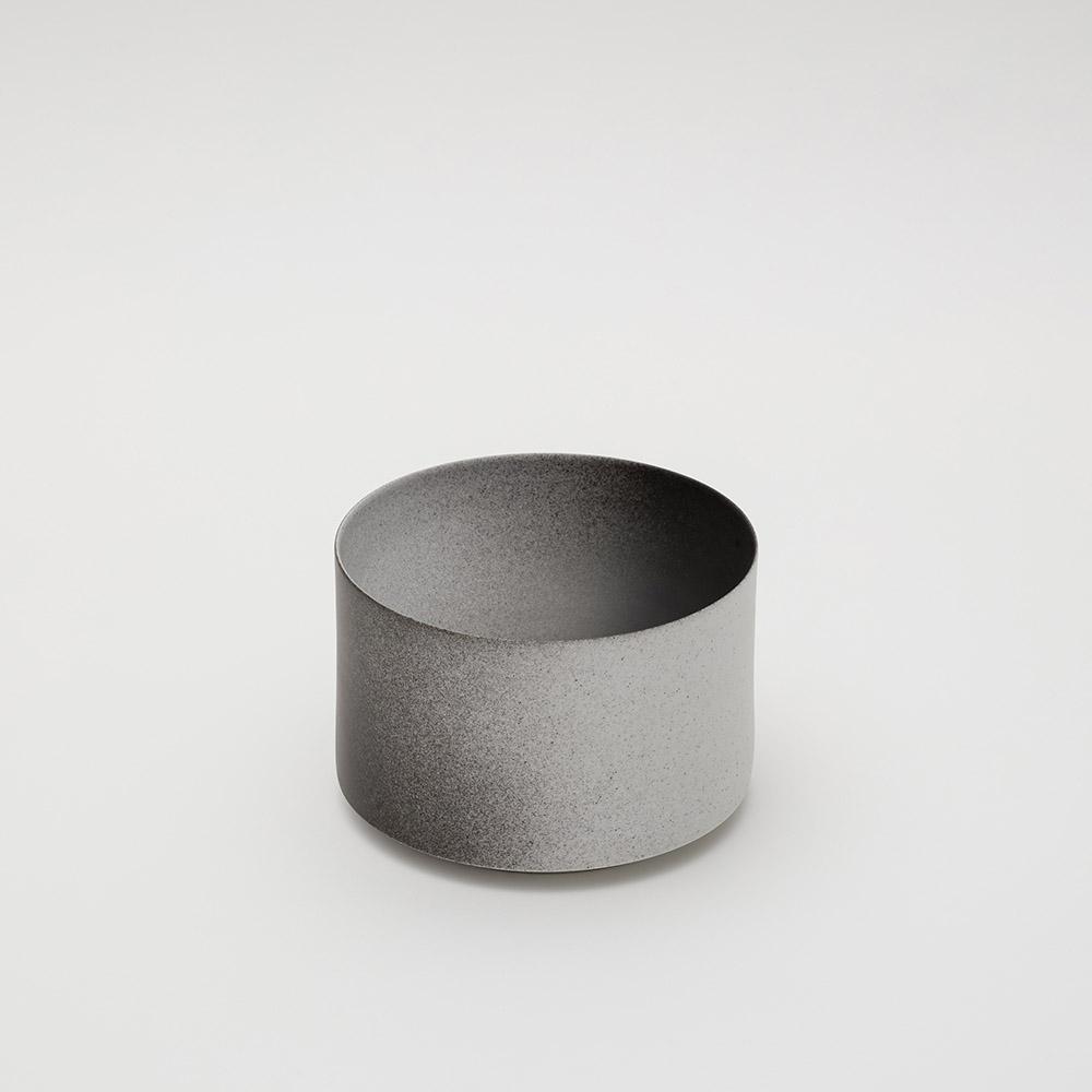 2016Arita|Kueng Caputo 碗型裝飾盤160 漸層黑