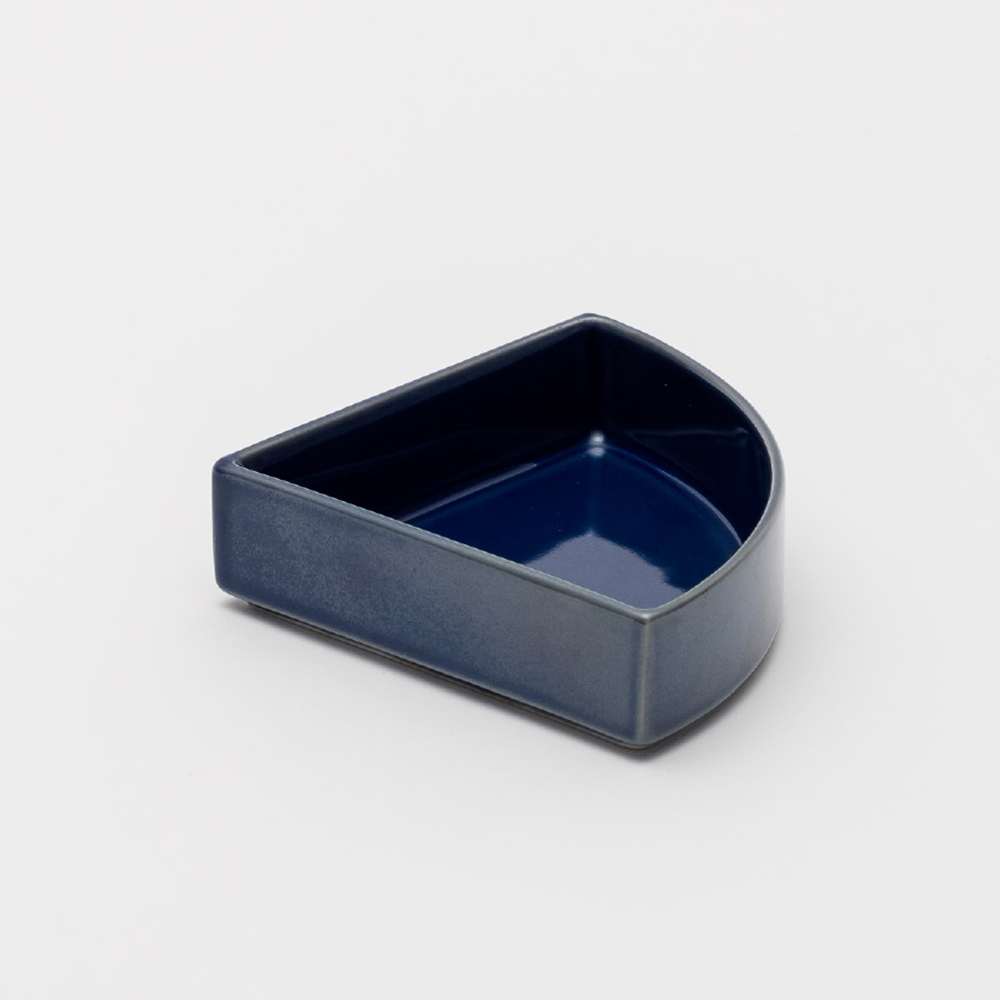 2016Arita|Tomas Alonso 深型1/4盤|Black 釉黑|Dark Blue 靛藍