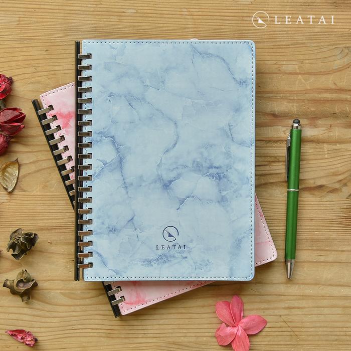 LEATAI 磊泰|戀戀風塵 A5大理石紋滑動夾活頁本 藍色1本+ 補充內頁1本