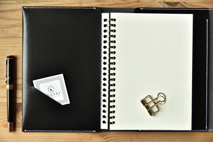 (複製)LEATAI 磊泰|純手工復古手拿包書衣 - 平裝定頁本