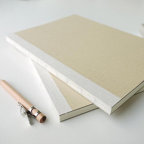 LEATAI 磊泰|窗邊寫詩 經典方格筆記本/棉花牛皮/介紙1.0-米色-2本入