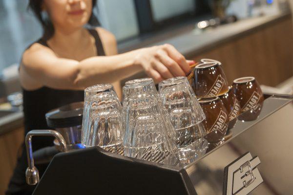 LOVERAMICS 愛陶樂 | 現代玻璃系列 180ml 光折卡布奇諾玻璃杯 (透明)