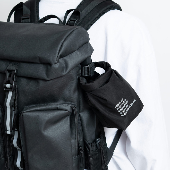 (複製)KiU|海軍藍 空氣感雨衣- 附收納袋(男女適用)