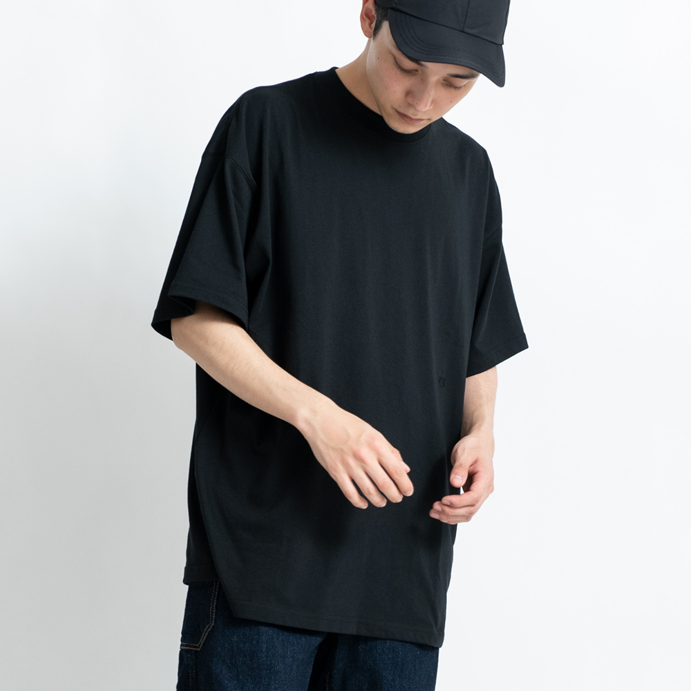 KiU|黑色 百搭基本款T-shirt   吸汗速乾 抗菌防臭 XL碼
