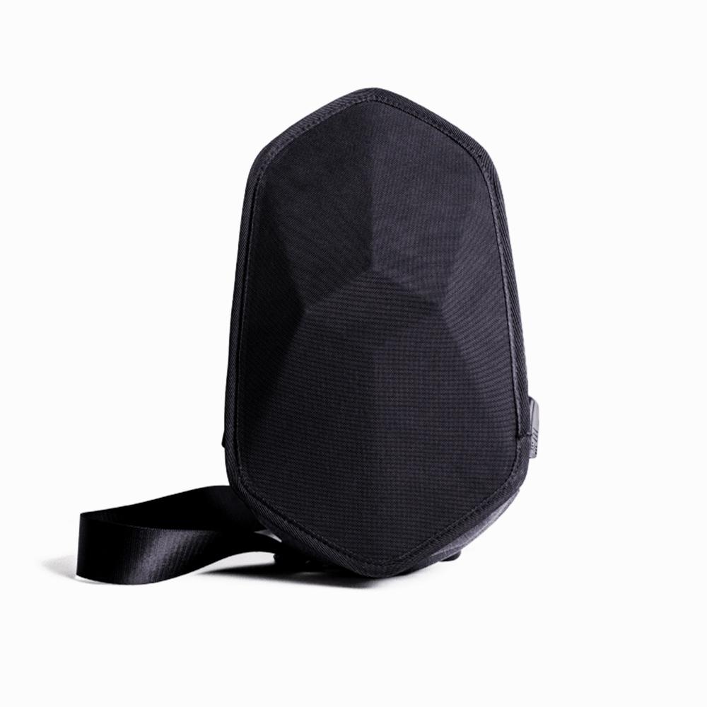 SHIELD|都會輕旅 硬殼防盜斜背包-時尚黑
