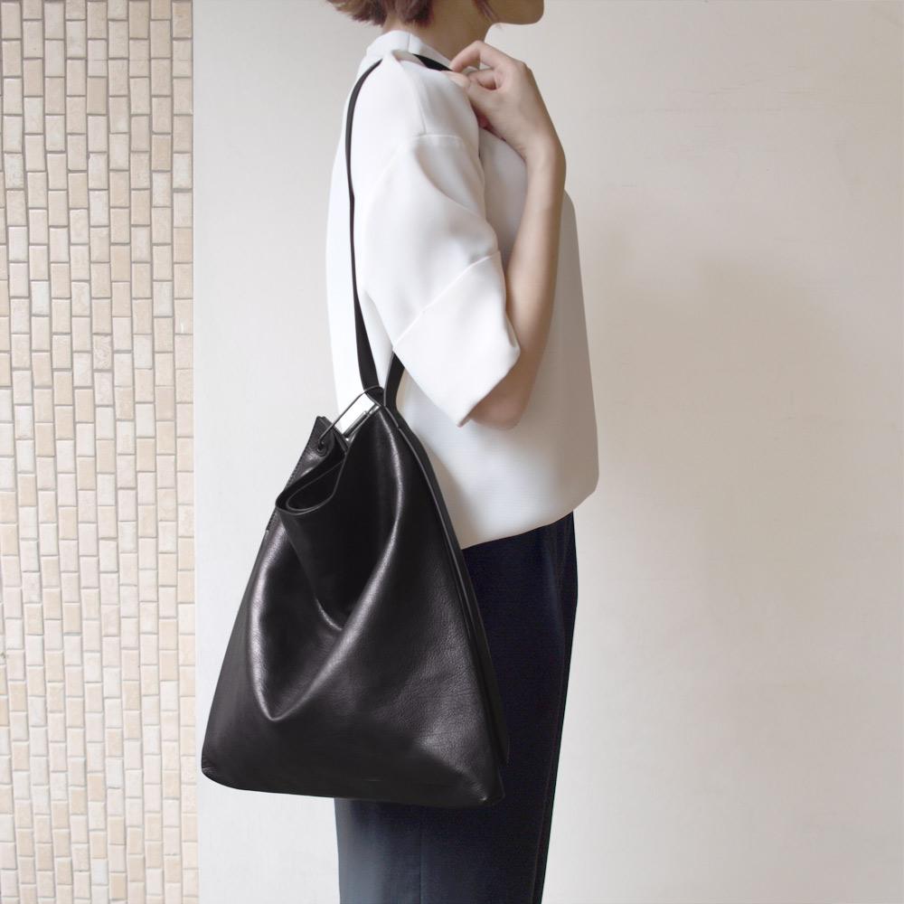 Darker Than Black Bags|Isosceles Triangle Hobo Bag 等腰三角Hobo包
