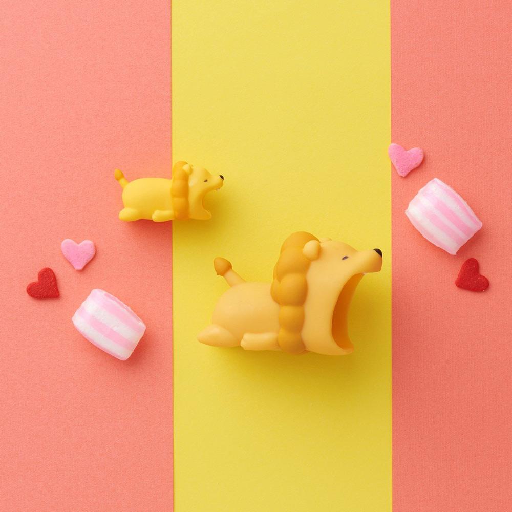 Dreams|大嘴巴豆腐頭咬線器-Apple專用-吃甜食獅子