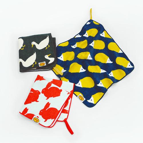 日本丸真|Anorak 英倫設計款掛繩小方巾 兔子