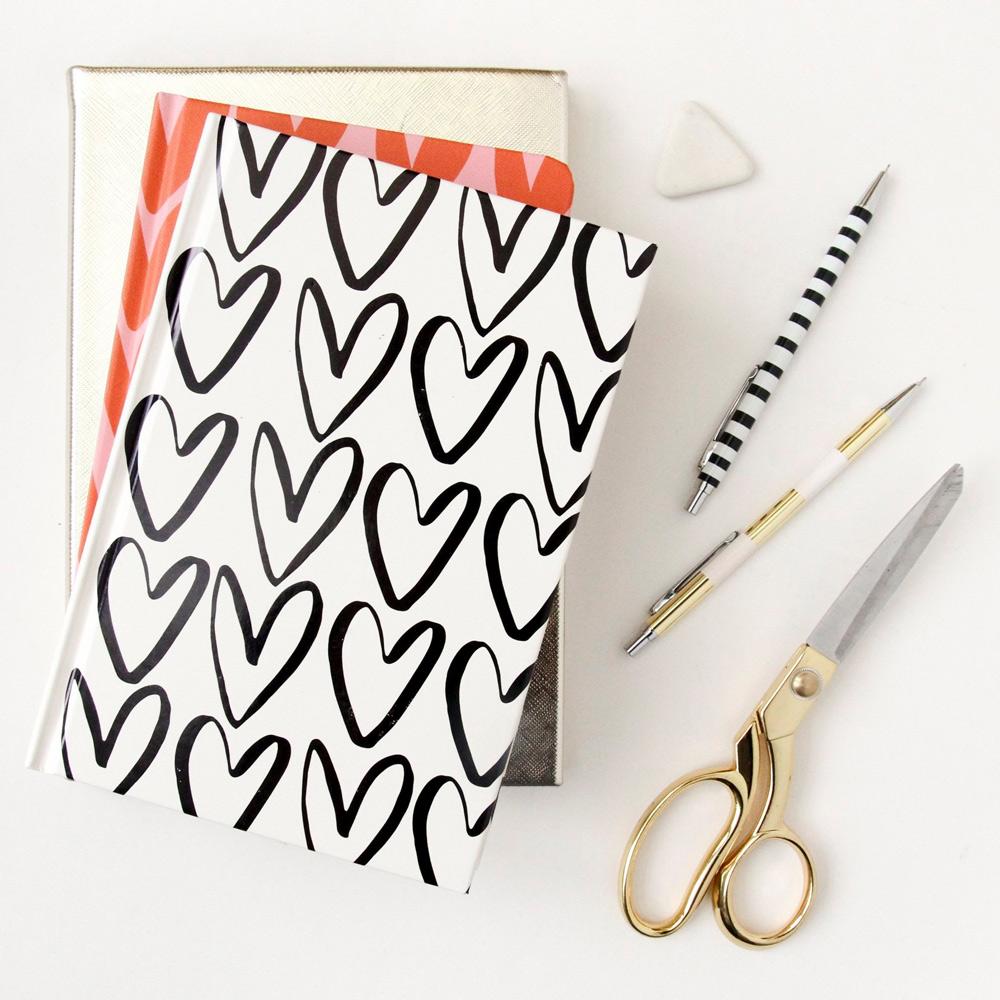 Caroline Gardner|精裝硬殼橫線筆記本  塗鴉愛心