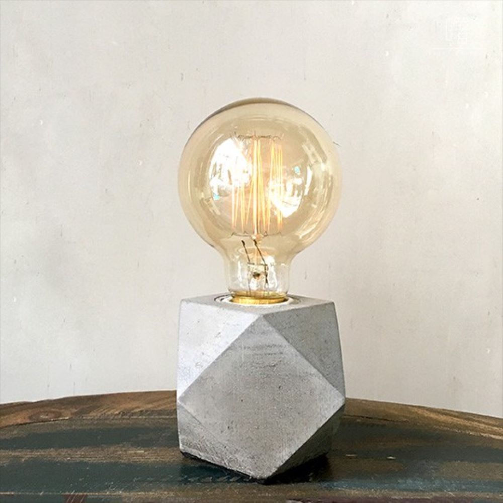 曙MUSE|鑽石切面方水泥桌燈