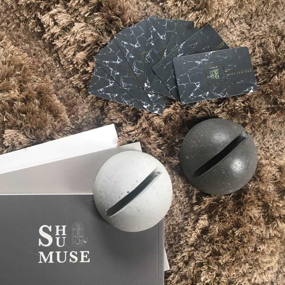 曙MUSE|半圓球體水泥名片架