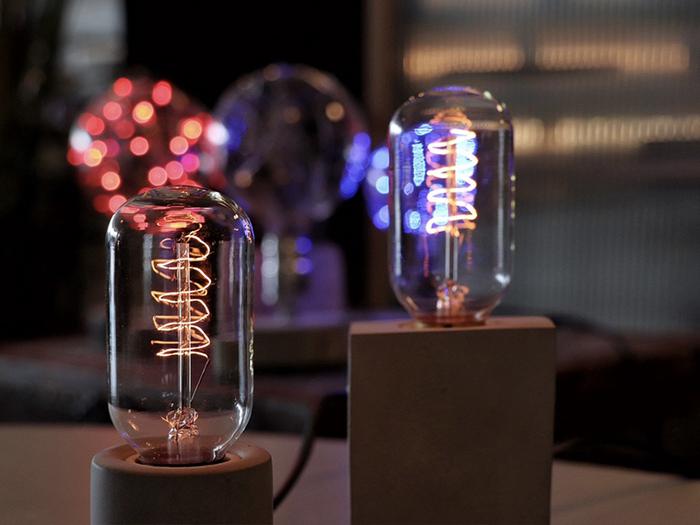 (複製)曙MUSE | 立方柱水泥桌燈