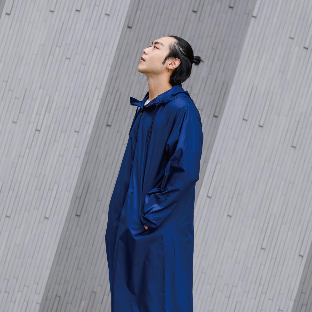 MECOVER|東麗酒伊織染超輕風雨衣-紺青