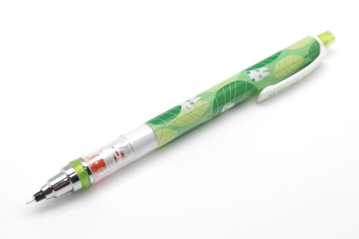 日本UNI宮崎駿KURU TOGA 0.5mm不易斷蕊自動旋轉鉛筆0316-14龍貓-小龍貓和樹葉捉迷藏版