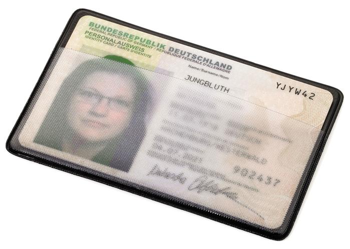 德國TROIKA|防感應卡套防盜信用卡夾 ( CAS01/BKE )