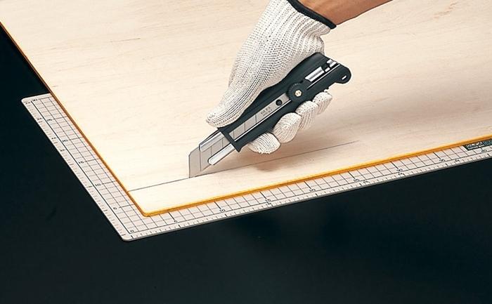 日本OLFA|抗滑強力特大型美工刀 (手輪鎖25mm刀片;適合板重型作業;151BG)