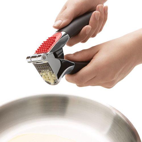 OXO|萬用備料三件組(好清理壓蒜泥器、軟皮蔬果削皮器、好好握什麼都能剪)