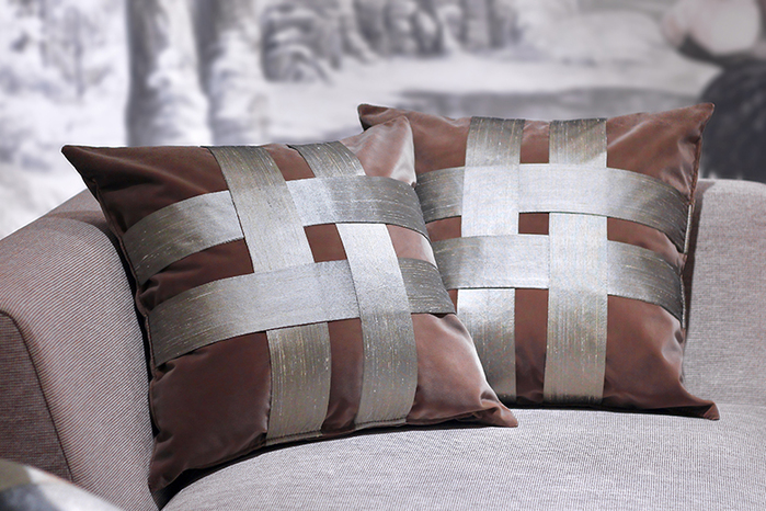 MULA DECO|十字編織手工絨布抱枕 Ø30cm (紅棕)