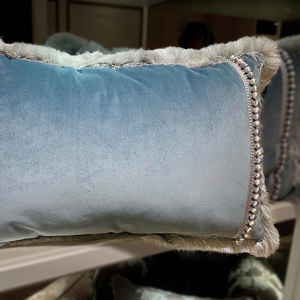 MULA DECO|限量 藍色絨布流蘇滾邊抱枕 50x35