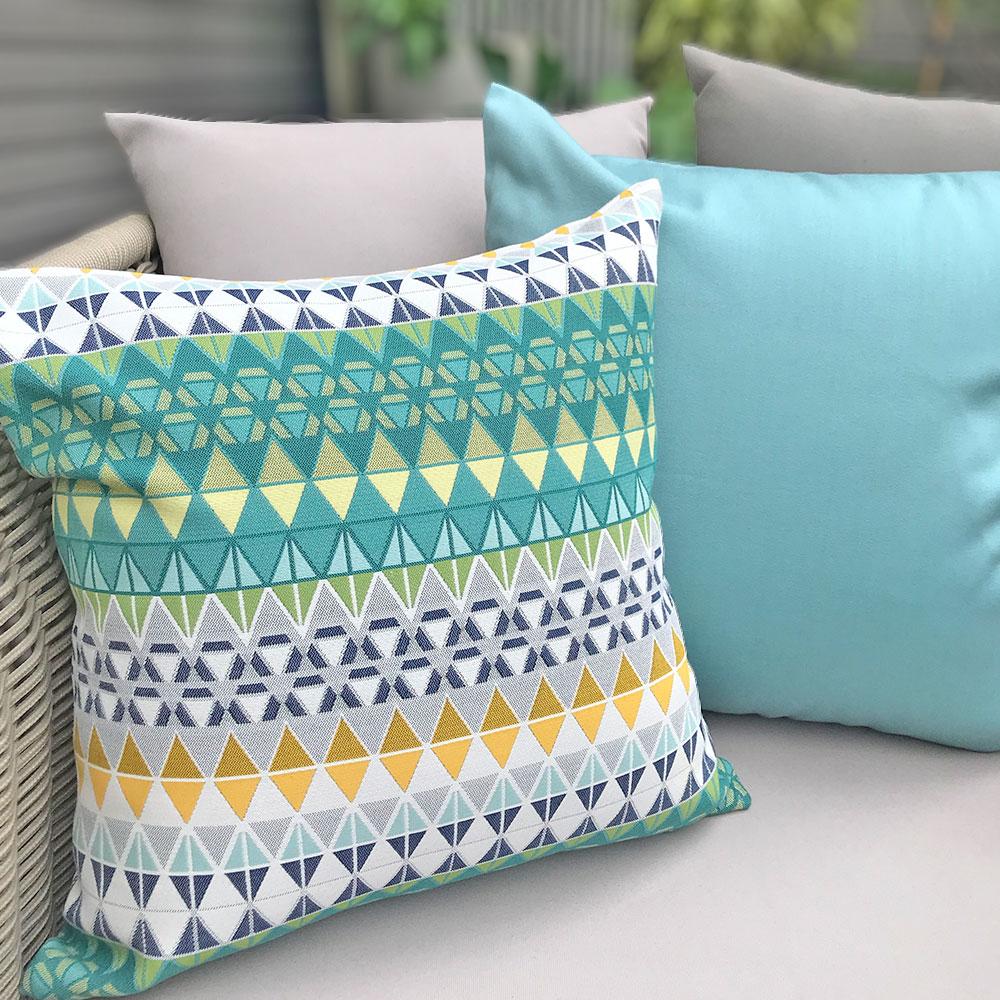 MULA DECO|色彩幾何手工抱枕 (花紋、單色藍2件組)