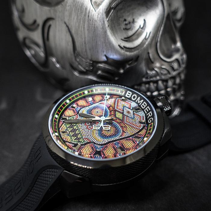 BOMBERG | BOLT-68 銀色骷髏桌鐘座