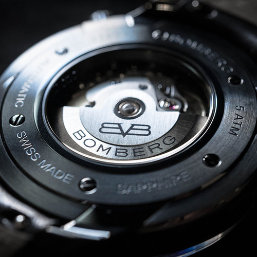 BOMBERG|BB-01 自動機械系列 黑色骷髏魅影自動大三針-限量版-錶徑 43mm