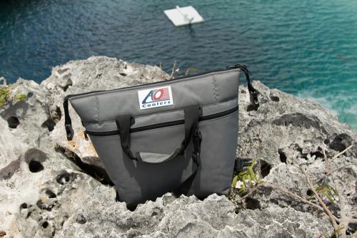 (複製)AO COOLERS|酷冷軟式輕量保冷托特包-豪華24罐型 -經典帆布CANVAS系列 經典黑