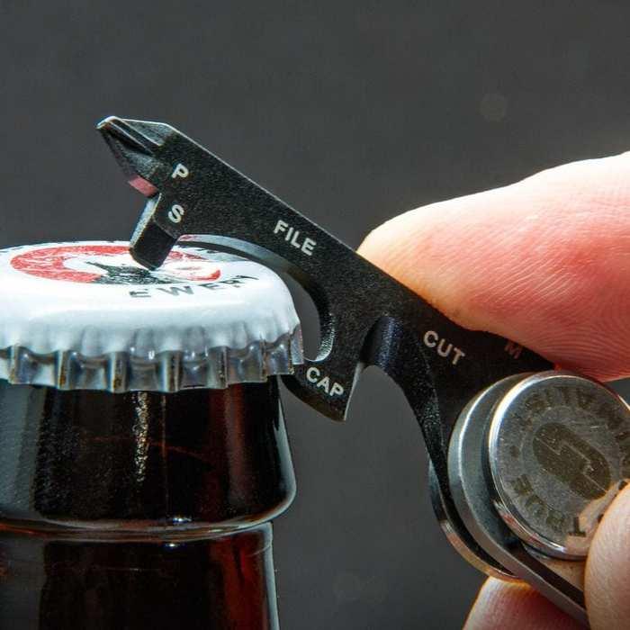 (複製)TRUE UTILITY|英國多功能充電型高亮度鈕扣LED照明燈Buttonlite