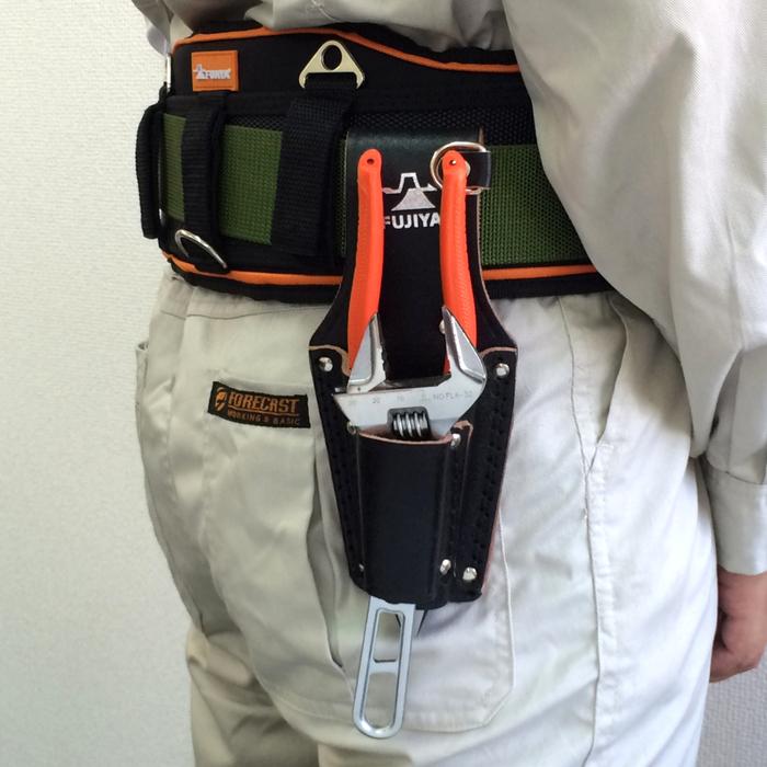 (複製)FUJIYA日本富士箭|高級黑牛皮腰間鉗子+起子收納袋-四支型