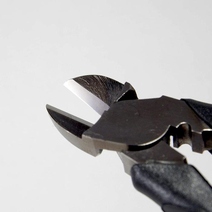 (複製)FUJIYA日本富士箭 強力型斜口鉗-偏芯歐式200mm(黑金)-700N-200BG