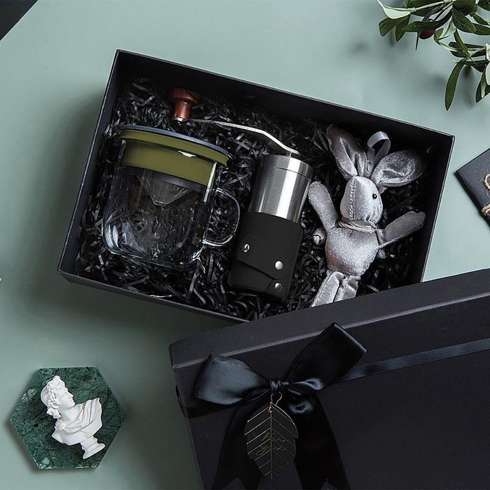 PO:Selected 丹麥手沖咖啡禮盒組(手動咖啡磨-黑/咖啡玻璃杯350ml-黑綠)