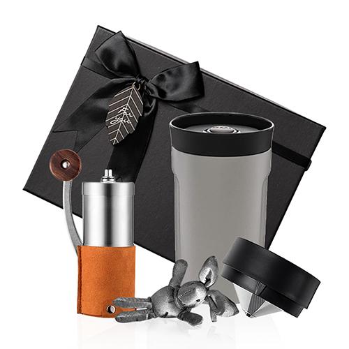 PO:Selected|丹麥手沖咖啡禮盒組(手動咖啡磨-咖/隨行保溫咖啡杯350ml-灰)