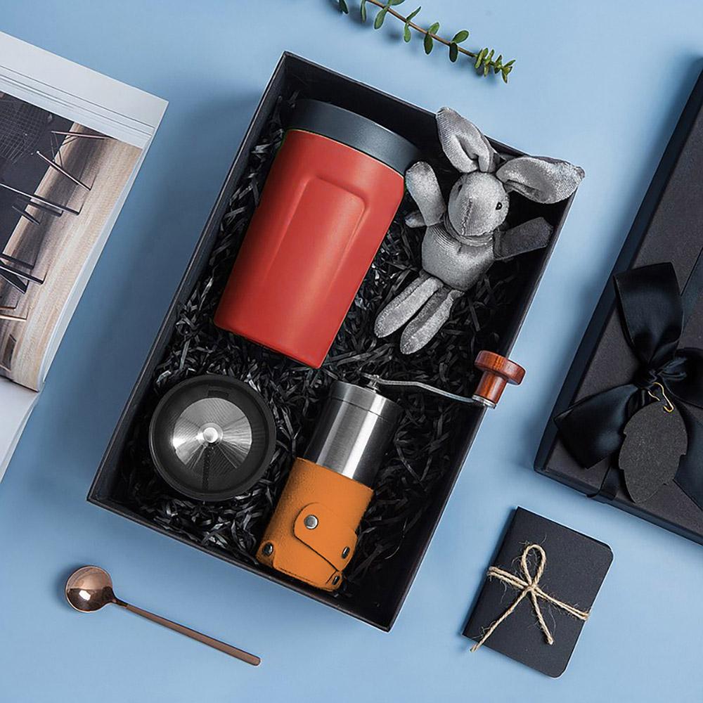 PO:Selected 丹麥手沖咖啡禮盒組(手動咖啡磨-咖/隨行保溫咖啡杯350ml-紅)