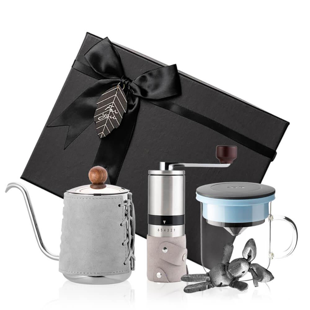 PO:Selected 丹麥手沖咖啡三件禮盒組(咖啡壺-灰/玻璃杯350ml-黑藍/咖啡磨2.0)
