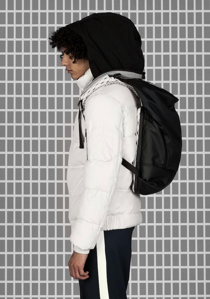 (複製)COTE&CIEL|ODER-SPREE MIMAS BLACK 科技感側背包 No.28725