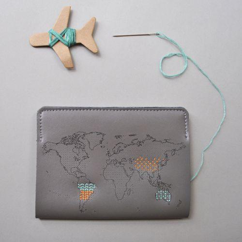 Chasing Threads|個人專屬 真皮地圖護照套 (旅人灰)