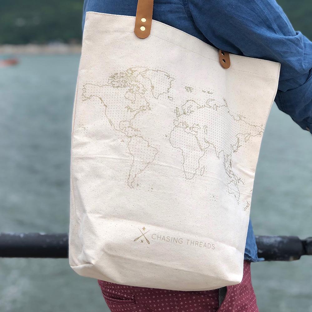 Chasing Threads|個人化 帆布地圖托特包 (帆布原色) + 精彩旅程彩虹繡線