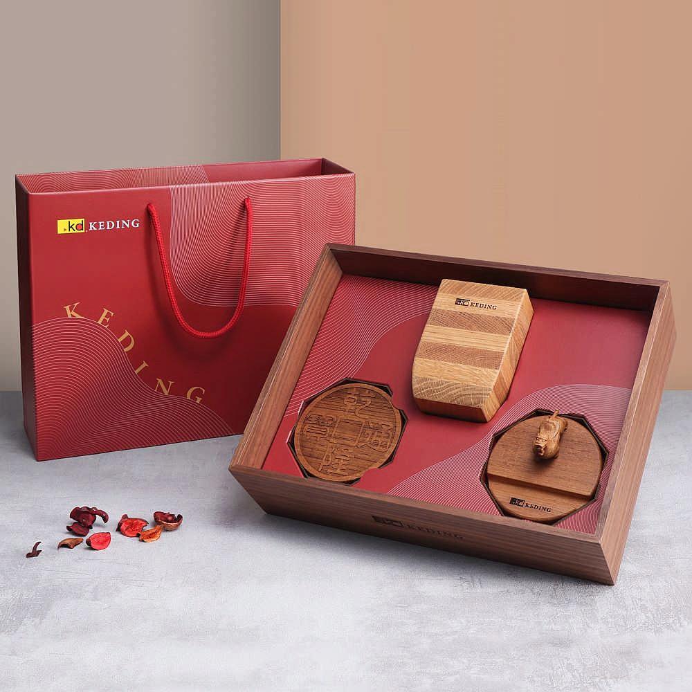 KD科定|精緻實木禮盒_木盒、筆筒、手機名片兩用架、杯墊2入