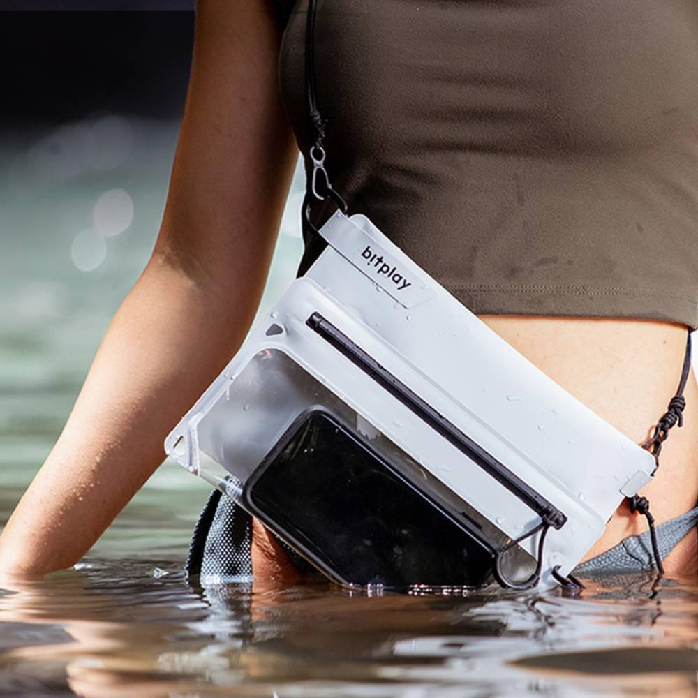 bitplay AquaSeal 全境防水瞬扣包 水泥灰