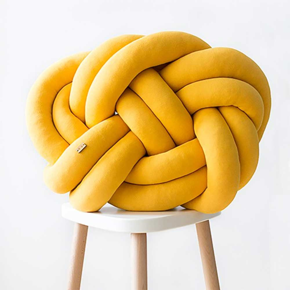 Wood'n'Wool|波蘭纏繞抱枕 - 經典款(芒果黃)