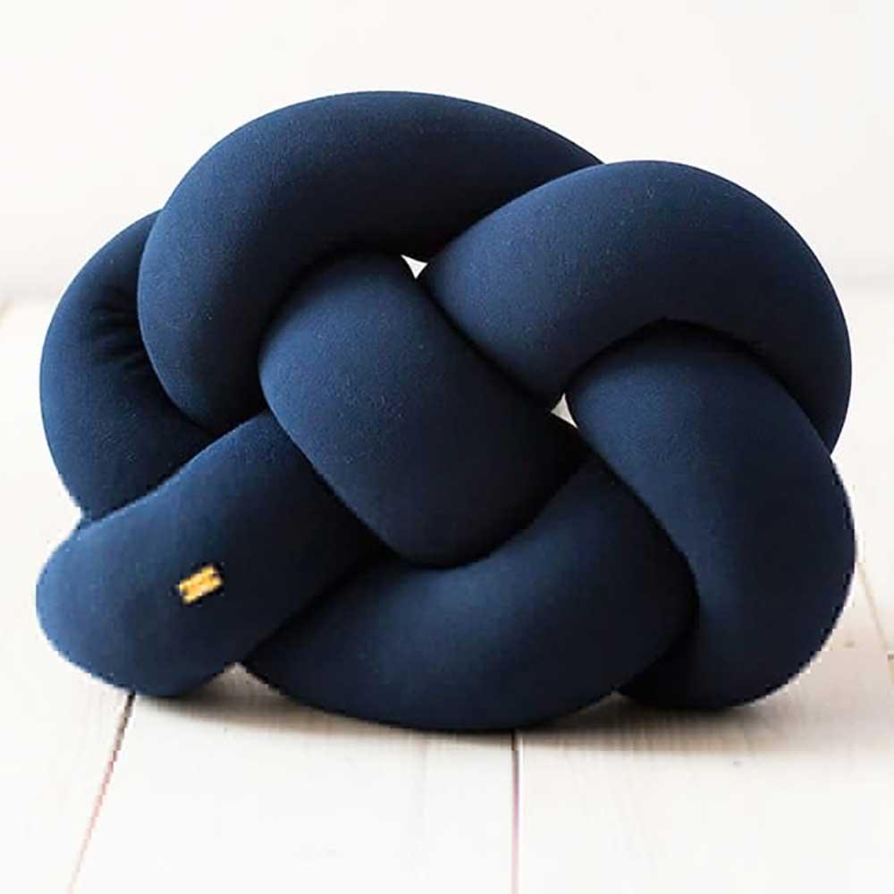 Wood'n'Wool|波蘭纏繞抱枕 - 胖胖款(海軍藍)
