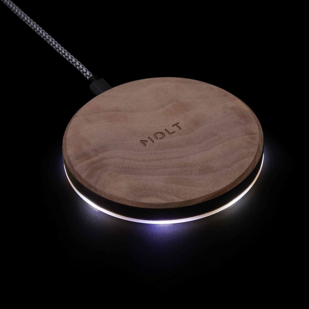 MOLT|Motion LED 胡桃實木黃銅散熱15W無線充電器(台灣製造)