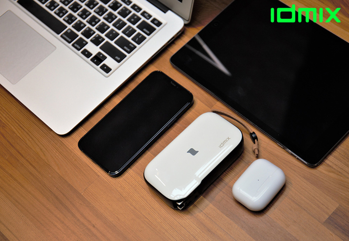 idmix|MR CHARGER 10000 CH06 無線充電行動電源-白