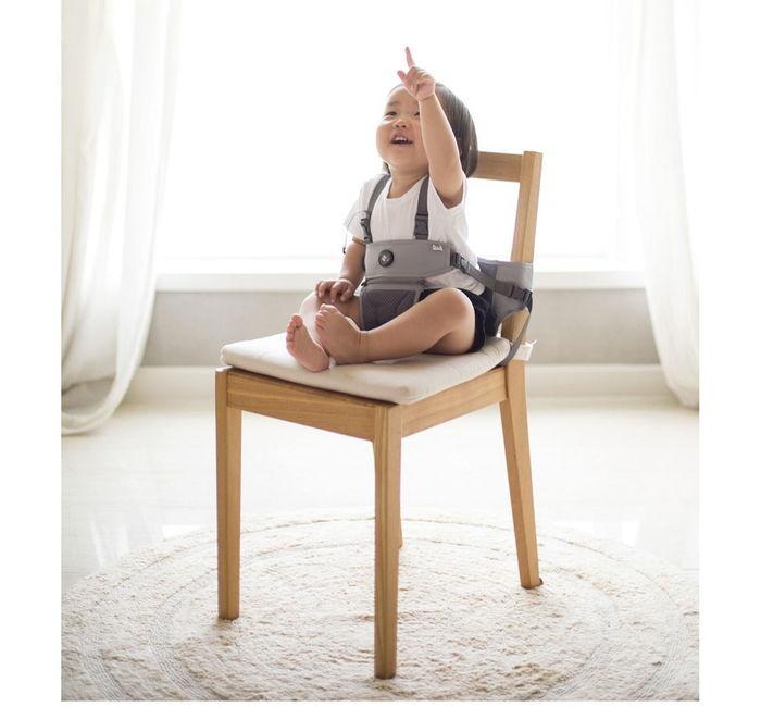 Hugpapa |  Dial-fit 旋鈕式嬰兒兩用攜帶式輔助餐椅輔助座椅嬰兒餐椅攜帶型餐椅 (2色)