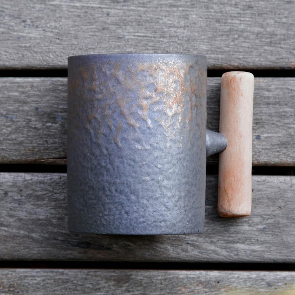 宜龍|黑鐵釉直筒木把馬克杯(315ml)