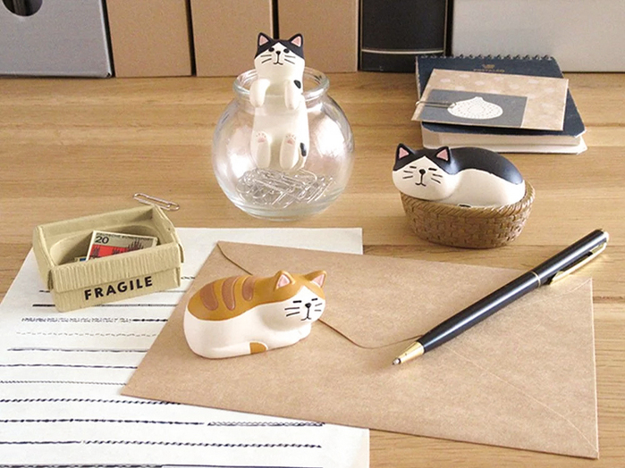 DECOLE 日本貓咪系列迴紋針磁鐵收集器 (趴趴虎斑貓)