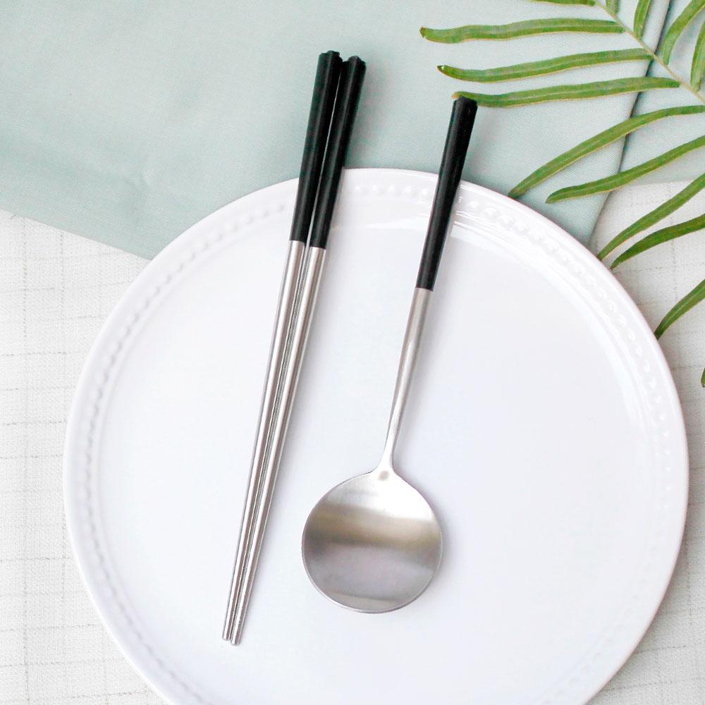 台箸 KUAI ZHU|不銹鋼餐具組花瓣1組入-沈黑