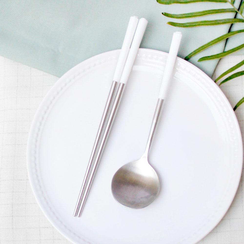 台箸 KUAI ZHU 不銹鋼餐具組花瓣1組入 淨白