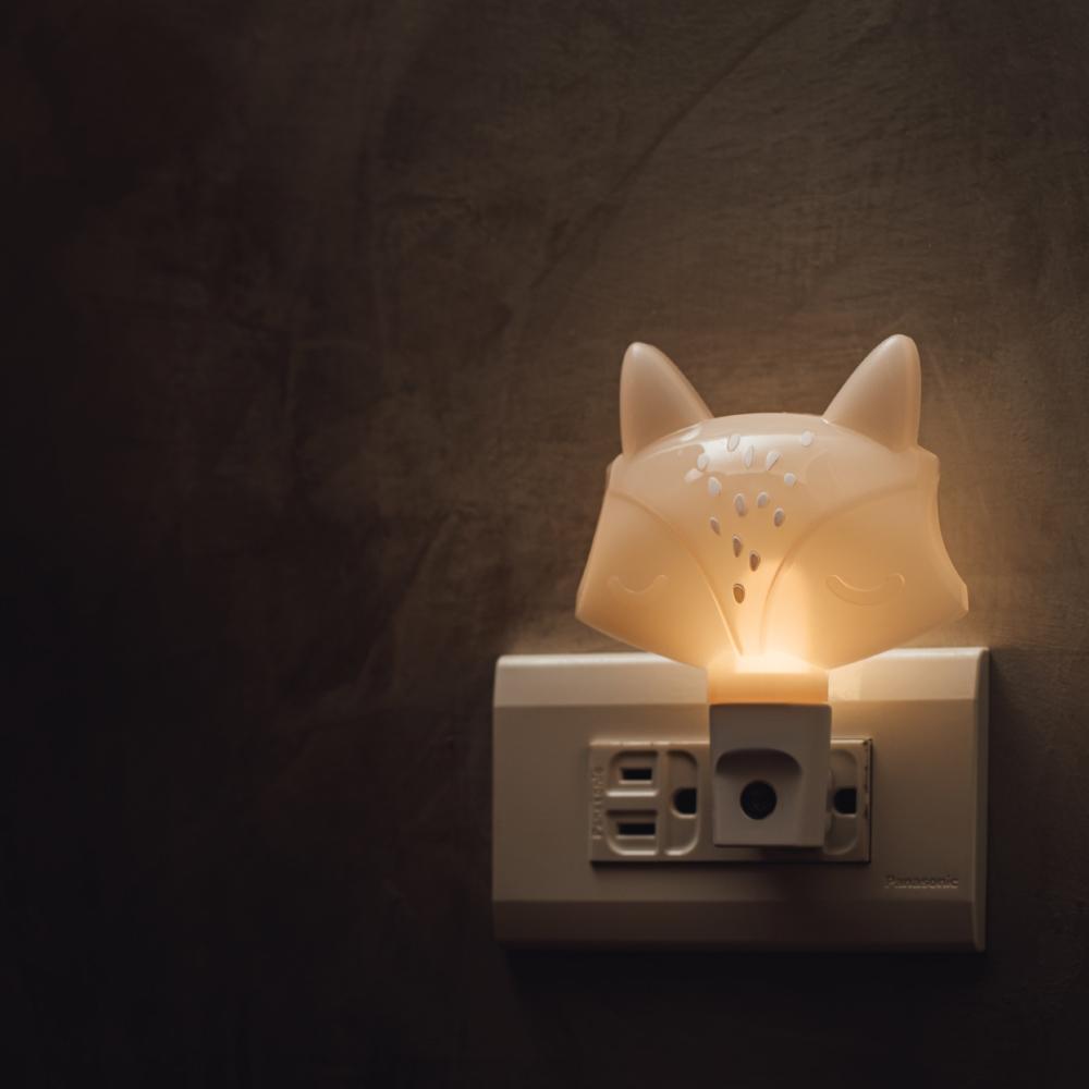 swee|插座式小夜燈-狐狸手動款