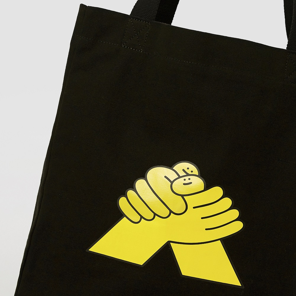 HAND IN HAND|HUGS 大型托特包 – 黑
